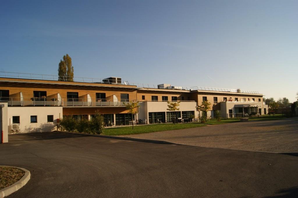Maison de retraite sennec l s m con 71000 sennec l s for Architecture maison de retraite
